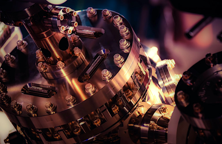 Honeywell Quantum Solutions - Vacuum Chamber Flange-770.jpg
