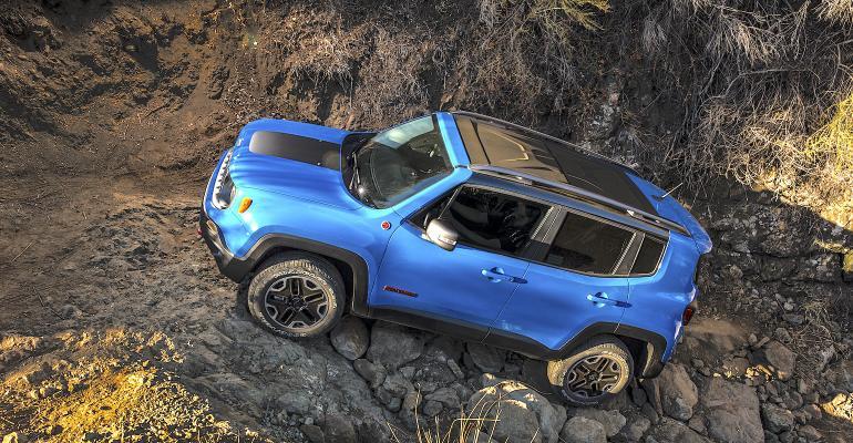 2015 Jeep Renegade Trailhawk.jpg