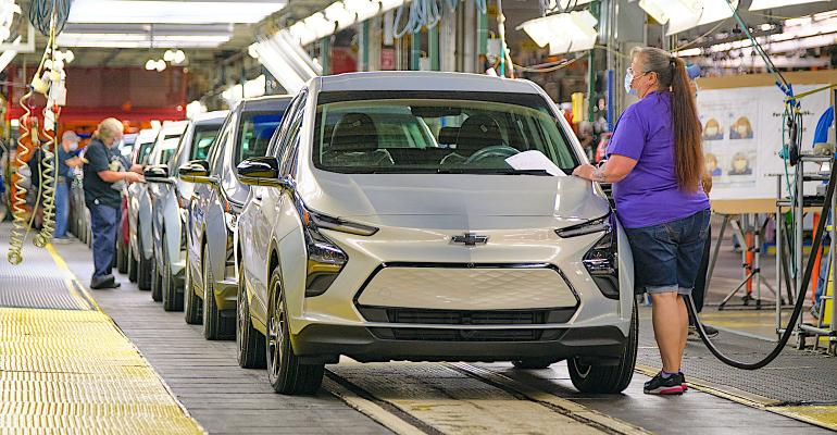 2022-Chevrolet-BoltEUV-and-BoltEV-ship-to-dealers-40.jpg