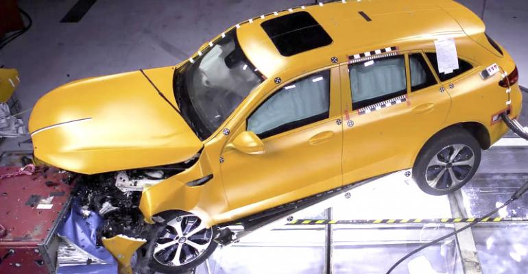 Mercedes-Benz Pre-Safe Sound Puts Your Ears in Lockdown Before a Crash