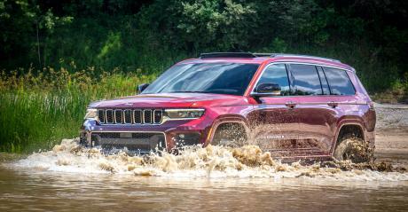 21 Jeep Grand Cherokee water.jpeg