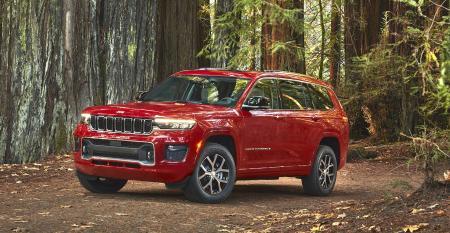 2021 Jeep Grand Cherokee L front 34.jpg